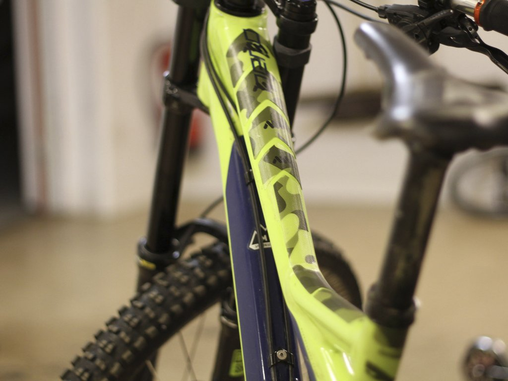 All Mountain Style HONEYCOMB MTB Frame Guard Protection Stickers DIGITAL CAMO XL